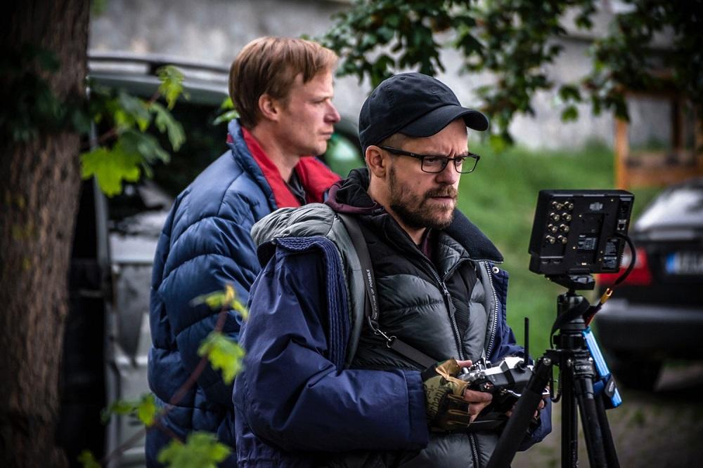 Začal se natáčet film Modelář v hlavních rolích s Kryštofem Hádkem a Jiřím Mádlem